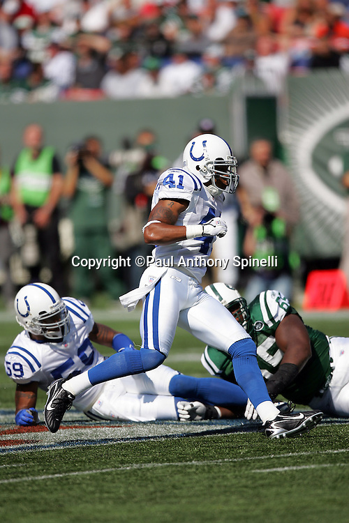 EAST RUTHERFORD, NJ - OCTOBER 1:  Defensive back Antoine Bethea #41 of the Indianapolis Colts in action against the New York Jets at the Meadowlands on October 1, 2006 in East Rutherford, New Jersey. The Colts defeated the Jets 31-28. ©Paul Anthony Spinelli *** Local Caption *** Antoine Bethea