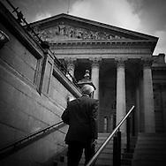 London. UK. the royal stock exchange , the main square of the city financial district / le royal stock exchange; bank , la place principale du quartier financier de la city