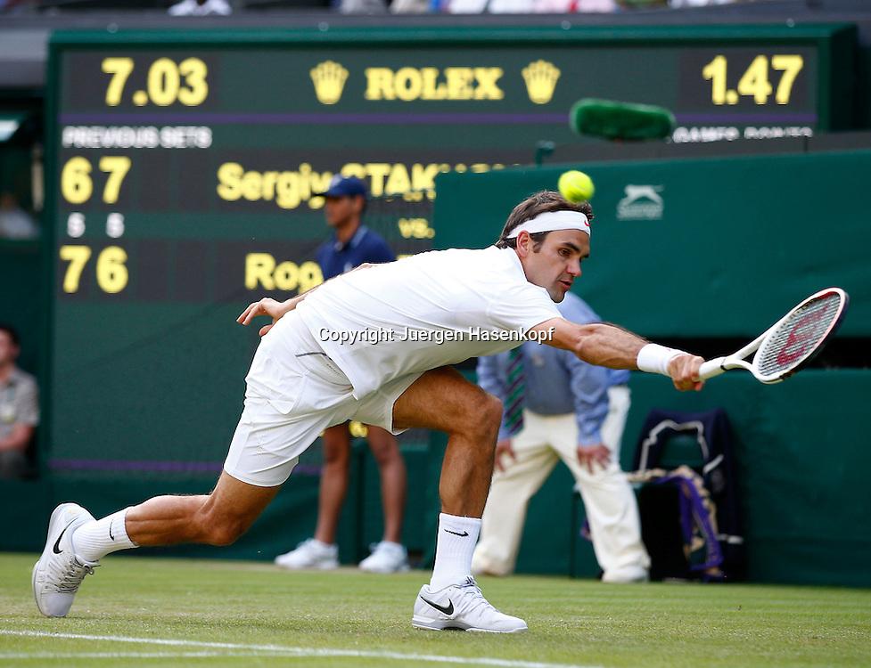 Wimbledon Championships 2013, AELTC,London,<br /> ITF Grand Slam Tennis Tournament,<br /> Roger Federer (SUI),Aktion,Einzelbild,<br /> Ganzkoerper,Querformat,