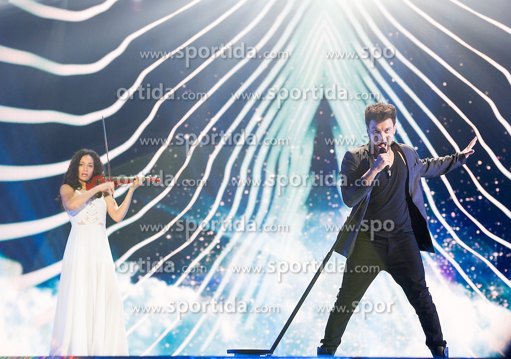 18.05.2015, Stadthalle, Wien, AUT, Eurovision Songcontest Vienna 2015, Kostümrpobe des Ersten Semifinales, im Bild das Duett Uzari & Maimuna aus Weißrussland // the artist duo Uzari and Maimuna from Belarus during dress rehearsal of the 1st semi final for Eurivision Songcontest Vienna 2015 at Stadthalle in Vienna, Austria on 2015/05/18, EXPA Pictures © 2015, PhotoCredit: EXPA/ Michael Gruber