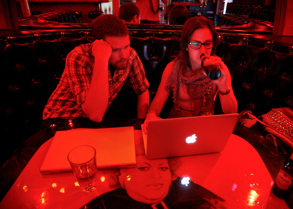 Bret and Macie photo editing at Cha Cha Lounge in Silver Lake, Calif.