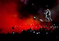 São Paulo/SP - 10.04.2011. Banda U2 apresenta sua turnê 360 no estádio do Morumbi. São Paulo/SP - 10.04.2011. U2 rock band presents the 360 world tour in Brazil, Morumbi stadium.
