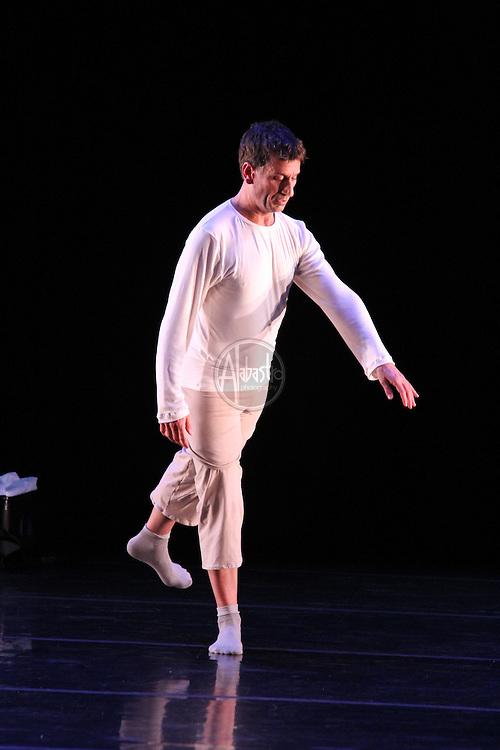 Mark Haim performing his Buoyant Despite Slump at Chop Shop 2010:Bodies of Work.