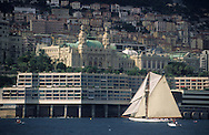 old boats in the port during the  - classic week -     Monaco        bateaux evoluant dans le port de monaco duant  la  - clasic week -     Monaco   R00286/24    L3253  /  R00286  /  P0007589