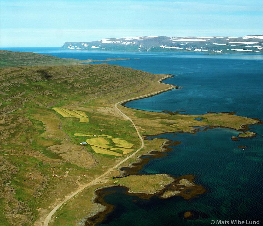 Þernuvík séð til norðvesturs, Ögurhreppur / Thernuvik viewing northwest, Ogurhreppur.