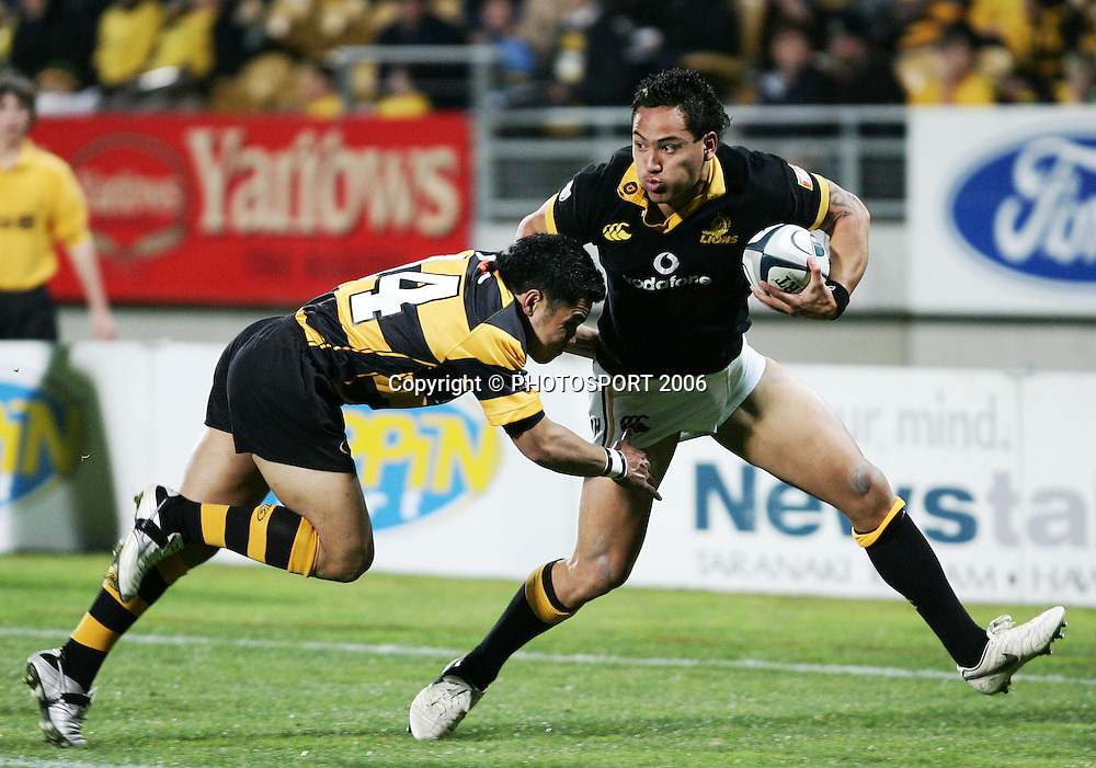 Wellington winger Hosea Gear takes on his opposite number Asalemo Malo during the Air New Zealand Cup week 1 rugby match between Genesis Taranaki and Wellington held at Yarrows Stadium in New Plymouth, New Zealand on Saturday 29 July 2006. Photo: Tim Hales/PHOTOSPORT