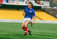Colin Crawford, Linfield FC, Belfast, N Ireland, UK, footballer, 1985081101..Copyright Image from Victor Patterson, 54 Dorchester Park, Belfast, UK, BT9 6RJ..Tel: +44 28 9066 1296.Mob: +44 7802 353836.Voicemail +44 20 8816 7153.Skype: victorpattersonbelfast.Email: victorpatterson@mac.com.Email: victorpatterson@ireland.com (back-up)..IMPORTANT: If you wish to use this image or any other of my images please go to www.victorpatterson.com and click on the Terms & Conditions. Then contact me by email or phone with the reference number(s) of the image(s) concerned.