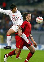 BRUXELLES BRUSSELS 28/04/2004 SPORT / FOOTBALL  VOETBAL / RODE DUIVELS - DIABLES ROUGES  / TURKEY - BELGIUM / VRIENDSCHAPPELIJKE WEDSTRIJD BELGIE - TURKIJE / MATCH AMICAL BELGIQUE - TURQUIE /<br /> EMRE BELOZOGLU - SVEN VERMANT<br /> / PICTURE JIMMY BOLCINA - PHILIPPE CROCHET - VINCENT KALUT ©PHOTO NEWS