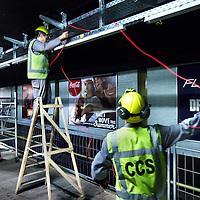 Nederland, Amsterdam , 5 augustus 2011..Werkzaamheden bij of aan de Noord Zuidlijn zoals bekabeling voor lichtbakken bij metrostation CS. .Foto:Jean-Pierre Jans