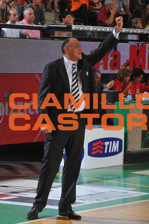 DESCRIZIONE : Treviso Lega A 2008-09 Playoff Quarti di finale Gara 1 Benetton Treviso La Fortezza Virtus Bologna<br /> GIOCATORE : Matteo Boniciolli<br /> SQUADRA : La Fortezza Virtus Bologna<br /> EVENTO : Campionato Lega A 2008-2009<br /> GARA : Benetton Treviso La Fortezza Virtus Bologna<br /> DATA : 19/05/2009<br /> CATEGORIA : Ritratto<br /> SPORT : Pallacanestro<br /> AUTORE : Agenzia Ciamillo-Castoria/M.Gregolin