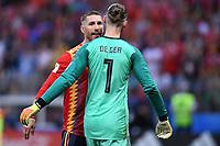 FUSSBALL  WM 2018  Achtelfinale ---- Spanien - Russland       01.07.2018 Sergio Ramos (li) und Torwart David De Gea (re, beide Spanien)