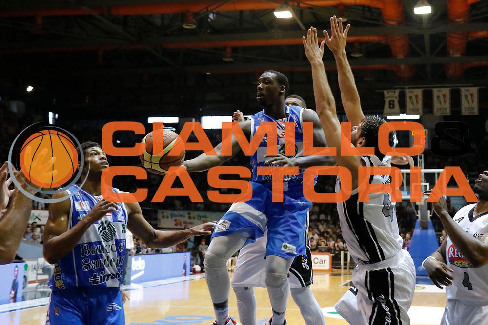 DESCRIZIONE : Caserta Lega A 2014-15 Pasta Reggia Caserta Banco di Sardegna Sassari<br /> GIOCATORE : Rakim Sanders<br /> CATEGORIA : passaggio<br /> SQUADRA : Banco di Sardegna Sassari<br /> EVENTO : Campionato Lega A 2014-2015<br /> GARA : Pasta Reggia Caserta Banco di Sardegna Sassari<br /> DATA : 26/04/2015<br /> SPORT : Pallacanestro <br /> AUTORE : Agenzia Ciamillo-Castoria/A. De Lise<br /> Galleria : Lega Basket A 2014-2015 <br /> Fotonotizia : Caserta Lega A 2014-15 Pasta Reggia Caserta Banco di Sardegna Sassari