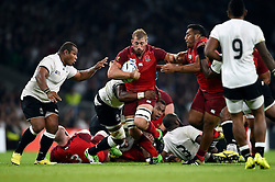 Chris Robshaw of England takes on the Fiji defence - Mandatory byline: Patrick Khachfe/JMP - 07966 386802 - 18/09/2015 - RUGBY UNION - Twickenham Stadium - London, England - England v Fiji - Rugby World Cup 2015 Pool A.