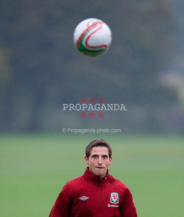 CARDIFF, WALES - Tuesday, October 9, 2012: Wales' Joe Allen during a training session at the Vale of Glamorgan ahead of the 2014 FIFA World Cup Brazil Qualifying Group A match against Scotland. (Pic by David Rawcliffe/Propaganda)