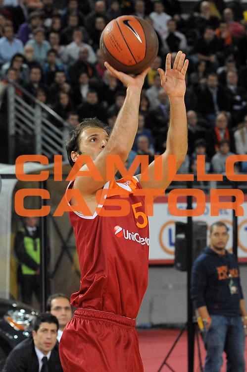 DESCRIZIONE : Roma Eurolega 2009-10 Lottomatica Virtus Roma Maccabi Electra Tel Aviv<br /> GIOCATORE : Jacopo Giachetti<br /> SQUADRA : Lottomatica Virtus Roma<br /> EVENTO : Eurolega 2009-2010<br /> GARA : Lottomatica Virtus Roma Maccabi Electra Tel Aviv<br /> DATA : 12/11/2009 <br /> CATEGORIA : Tiro<br /> SPORT : Pallacanestro <br /> AUTORE : Agenzia Ciamillo-Castoria/G.Vannicelli<br /> Galleria : Eurolega 2009-2010 <br /> Fotonotizia : Roma Eurolega 2009-10 Lottomatica Virtus Roma Maccabi Electra Tel Aviv<br /> Predefinita :