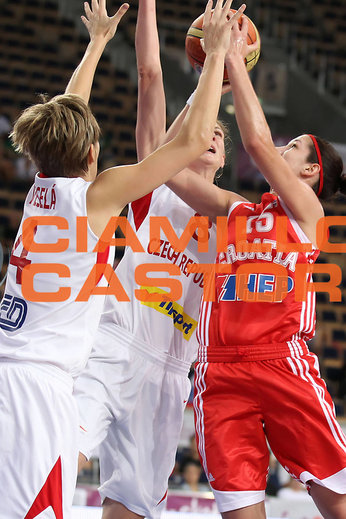 DESCRIZIONE : Lodz Poland Polonia Eurobasket Women 2011 Quarter Final Round Repubblica Ceca Croazia Czech Republic Croatia<br /> GIOCATORE : Jelena Ivezic<br /> SQUADRA : Croatia Croazia<br /> EVENTO : Eurobasket Women 2011 Campionati Europei Donne 2011<br /> GARA : Repubblica Ceca Croazia Czech Republic Croatia<br /> DATA : 29/06/2011<br /> CATEGORIA : <br /> SPORT : Pallacanestro <br /> AUTORE : Agenzia Ciamillo-Castoria/E.Castoria<br /> Galleria : Eurobasket Women 2011<br /> Fotonotizia : Lodz Poland Polonia Eurobasket Women 2011 Quarter Final Round Repubblica Ceca Croazia Czech Republic Croatia<br /> Predefinita :