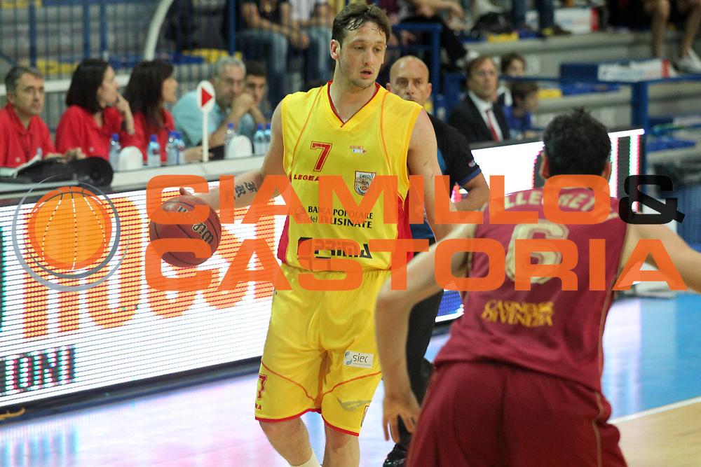 DESCRIZIONE : Frosinone Lega Basket A2 2010-2011 Playoff semifinali gara 4 Prima Veroli Umana Reyer Venezia<br /> GIOCATORE : Guido Rosselli         <br /> SQUADRA : Prima Veroli    <br /> EVENTO : Campionato Lega Basket A2 2010-2011<br /> GARA : Prima Veroli Umana Reyer Venezia  <br /> DATA : 05/06/2011<br /> CATEGORIA : palleggio         <br /> SPORT : Pallacanestro<br /> AUTORE : Agenzia Ciamillo-Castoria/A.Ciucci<br /> Galleria : Lega Basket A2 2010-2011<br /> Fotonotizia : Frosinone  Lega Basket A2 2010-2011 Playoff semifinali gara 4 Prima Veroli Umana Reyer Venezia  <br /> Predefinita :