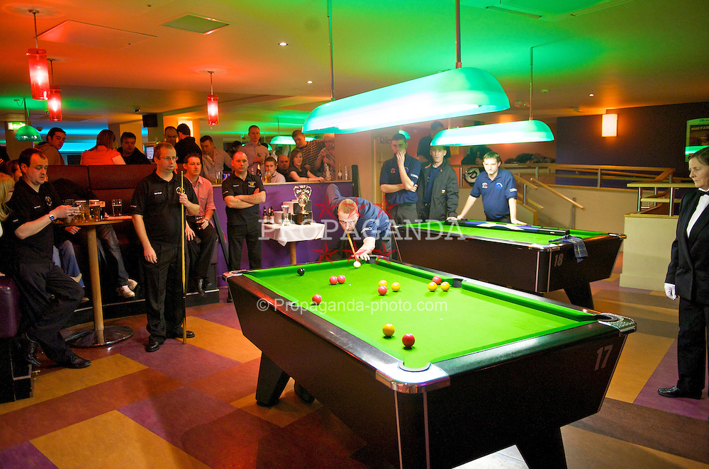 LIVERPOOL, ENGLAND - Saturday, February 21, 2009: The final of the Hainsworth Cue Sports Cloth £10,000 4 Person Tournament at Rileys Grand Central Liverpool. (Photo by David Rawcliffe/Propaganda)