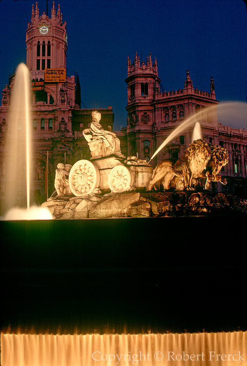 SPAIN, MADRID, MONUMENTS Plaza Cibeles on the Gran Via
