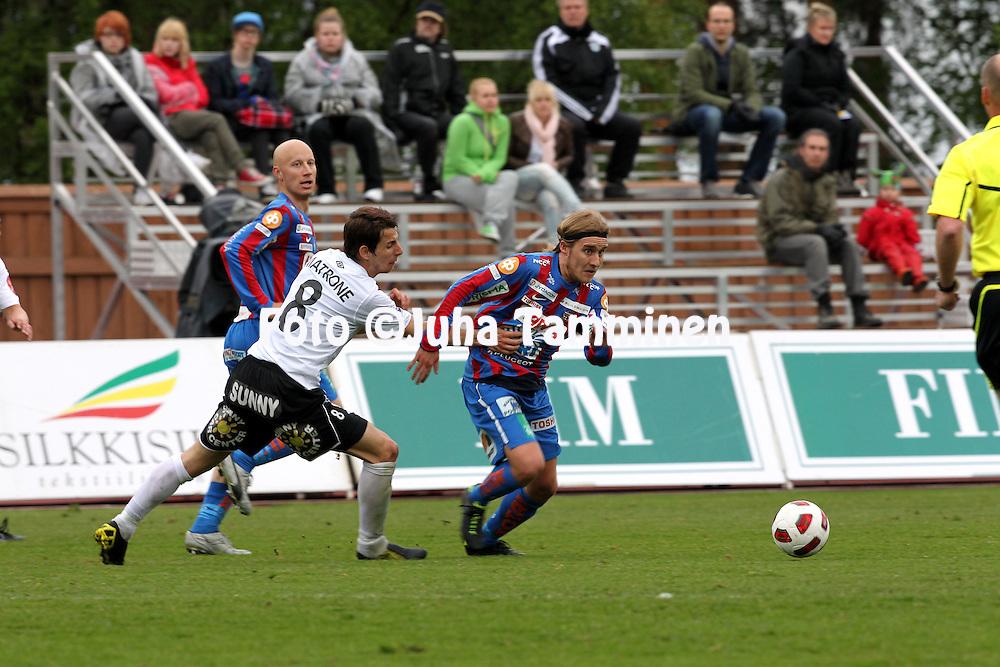 16.5.2011, Harjun stadion, Jyv?skyl?..Veikkausliiga 2011, JJK Jyv?skyl? - FC Haka Valkeakoski..Jani Virtanen (JJK) v Marco Matrone (Haka)..©Juha Tamminen..
