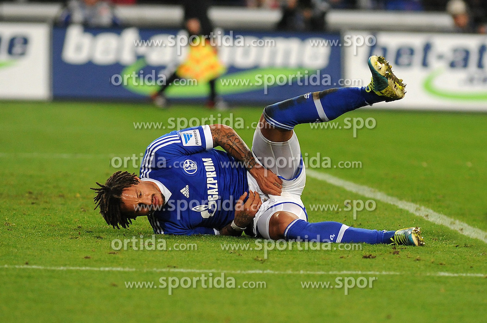 09.11.2013, Veltins Arena, Gelsenkirchen, GER, 1. FBL, Schalke 04 vs SV Werder Bremen, 12. Runde, im Bild Jermaine Jones ( Schalke 04 / Freisteller ) kruemmt sich vor Schmerzen auf dem Rasen // during the German Bundesliga 12th round match between Schalke 04 and SV Werder Bremen at the Veltins Arena in Gelsenkirchen, Germany on 2013/11/09. EXPA Pictures &copy; 2013, PhotoCredit: EXPA/ Eibner-Pressefoto/ Thienel<br /> <br /> *****ATTENTION - OUT of GER*****