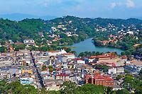 Sri Lanka, province du centre, Kandy, ville classée patrimoine mondial de l'UNESCO, vue générale sur la ville et son lac // Sri Lanka, Ceylon, North Central Province, Kandy, UNESCO World Heritage city, view on the city and the lake