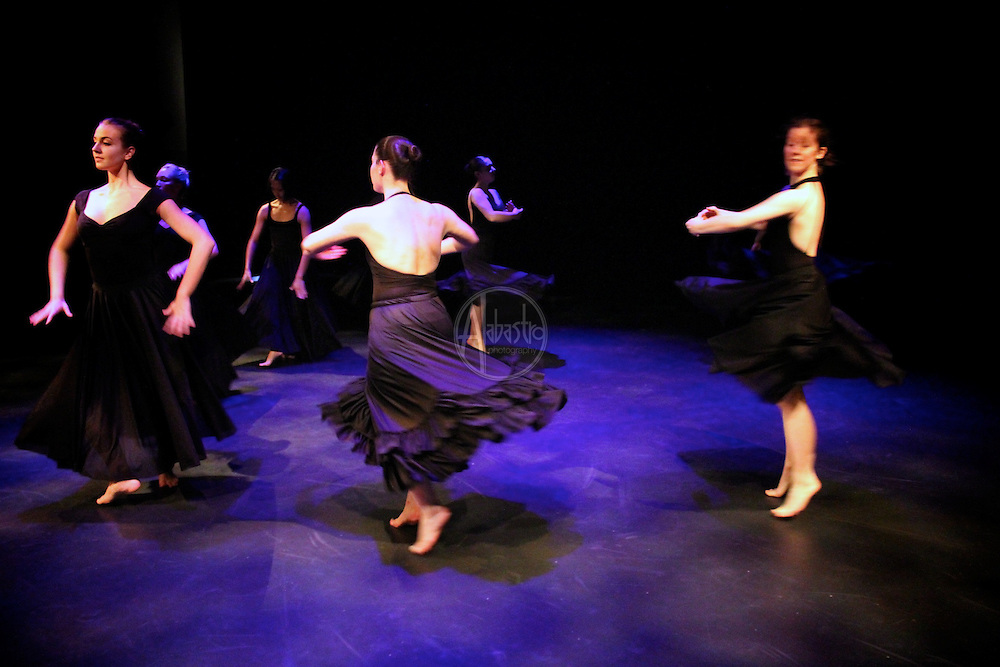 "The Stone Dance Collective performs ""The End of A Year"" by Eva Stone at Chop Shop: Northside at Black Box Theater on October 2010."