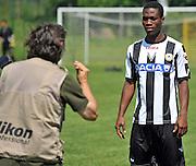 Arta Terme (UD), 27/07/2011.Campionato di calcio Serie A 2011/2012.Thierry Doubai posa con la nuova maglia per il fotografo delle Figurine Panini..© foto di Simone Ferraro