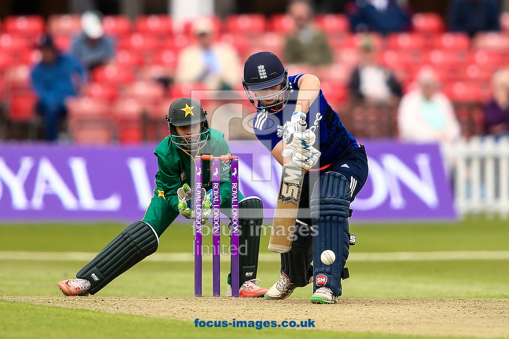 Heather Knight of England (right) defends during the Royal London One Day Series match at Fischer County Ground, Leicester<br /> Picture by Andy Kearns/Focus Images Ltd 0781 864 4264<br /> 21/06/2016
