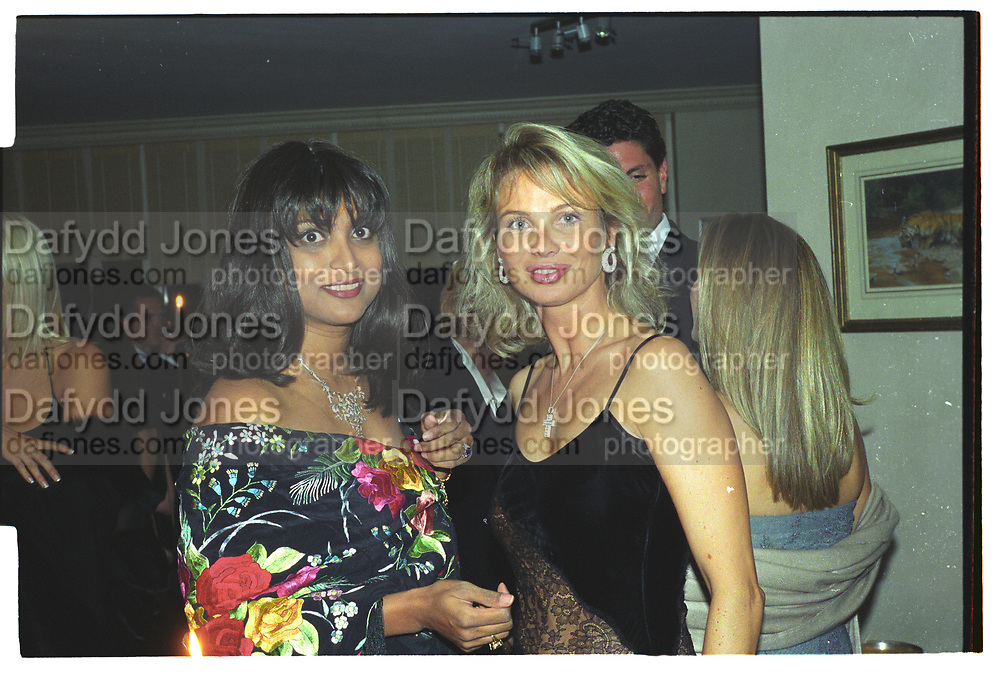 CORINA LARSEN, ,MALA LINDSAY, Mala Lindsay dinner party, Chelsea, London. September 1999