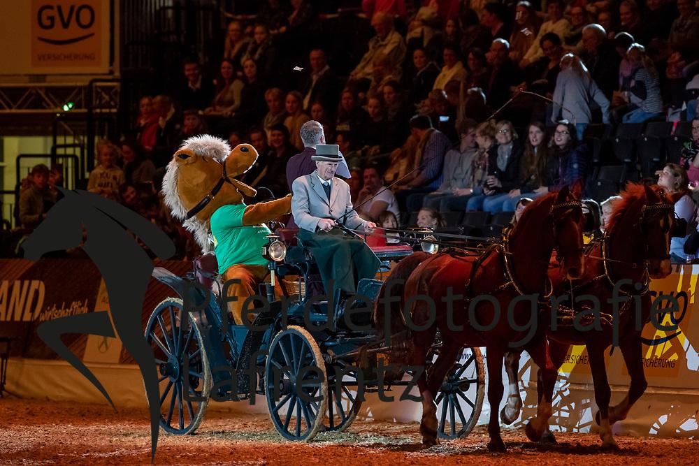 KOHNE Wolfgang<br /> Oldenburg - AGRAVIS-Cup 2018<br /> Eröffnung<br /> Gala-Abend<br /> 03. November 2018<br /> © www.sportfotos-lafrentz.de/Stefan Lafrentz