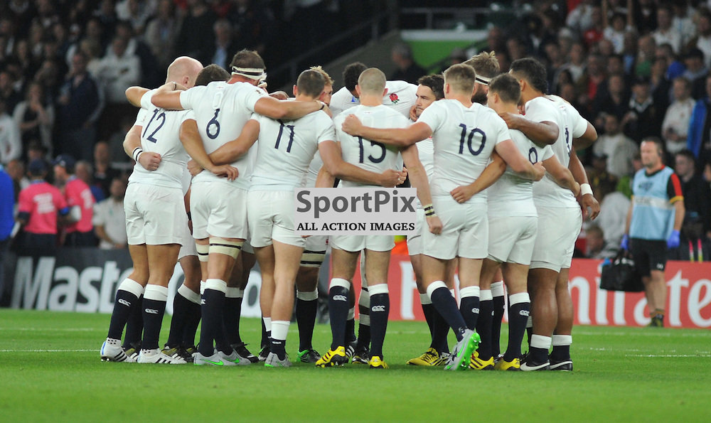 The England huddle before the IRB RWC 2015 Pool A match between England and Wales at Twickenham Stadium on Saturday 26 September 2015, London, England. (c) Ian Nancollas | SportPix.org.uk