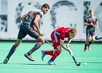 St.-Job-In 't Goor / Antwerpen -  6Nations U23 -  Daniel de Haan (Ned) met Jacob Draper (GB) Nederland Jong Oranje Heren (JOH) - Groot Brittannie .  COPYRIGHT  KOEN SUYK