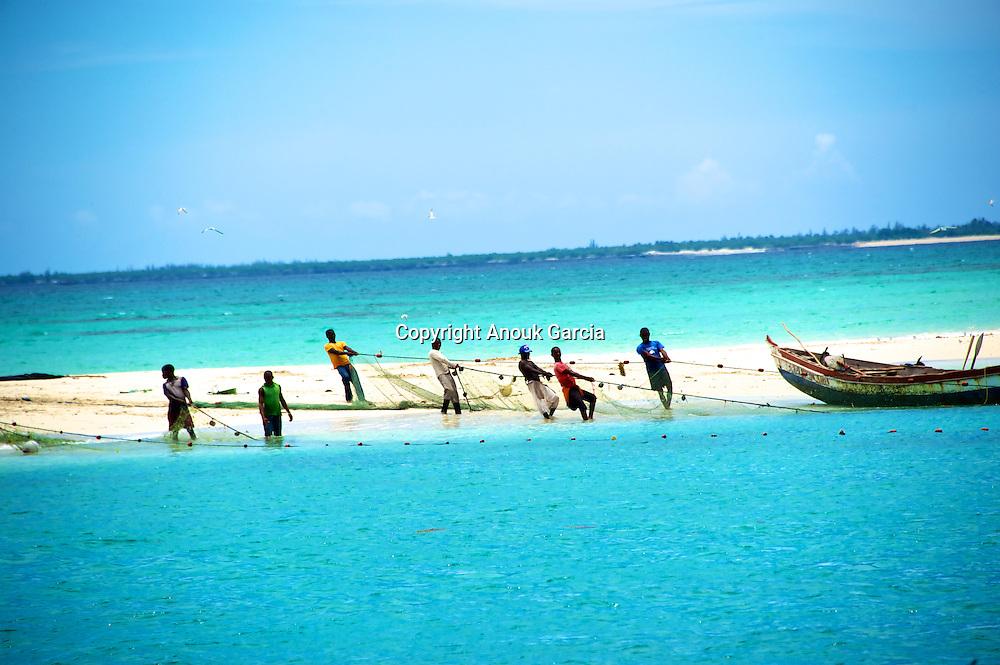 Pescadores das Quirimbas. Arquipélago das Quirimbas, viajem em velha no coração de umas dos mais incrível arquipélago do mundo com uma das mais antigas embarcação do oceano indico. (Ibo Island Lodge)