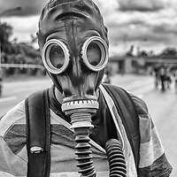 Retrato de un guerrero anónimo en la autopista Francisco Fajardo. Caracas. Venezuela. Portrait of an anonymous warrior on the Francisco Fajardo freeway.