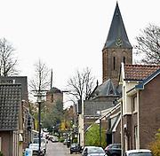 Nederland, Zeddam, 23-11-2017In Zeddam worden veel Poolse arbeidskrachten ondergebrachjt in hotels en appartementen die eigenlijk bestemd zijn voor toeristen en het toerisme. De Polen zijn een vaste groep inwoners geworden van dit kleine dorp..Het heeft een oude, gerenoveerde Torenmolen die samen met de kerk het dorpsgezicht bepaald.Foto: Flip Franssen
