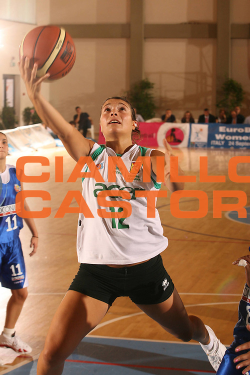 DESCRIZIONE : Cagliari Lega A1 Femminile 2006-07 Prima Giornata Trogylos Priolo Maddaloni Basket <br /> GIOCATORE : Sciacca Beatrice <br /> SQUADRA : Trogylos Priolo <br /> EVENTO : Campionato Lega A1 2006-2007 Prima Giornata <br /> GARA : Trogylos Priolo Maddaloni Basket <br /> DATA : 08/10/2006 <br /> CATEGORIA : Tiro <br /> SPORT : Pallacanestro <br /> AUTORE : Agenzia Ciamillo-Castoria/S.D'Errico
