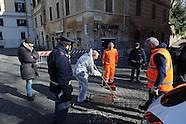 20160117 - controllo tombini sicurezza polizia Sinagoga Roma