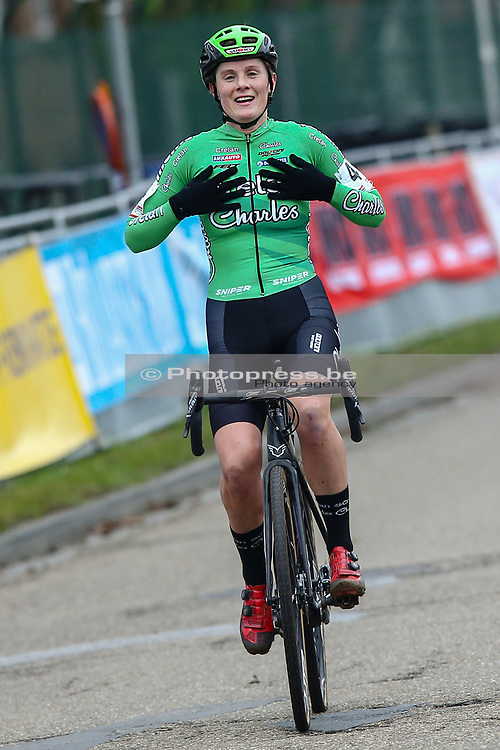 BELGIUM / LEUVEN / CYCLING / WIELRENNEN / CYCLISME / CYCLOCROSS / CYCLO-CROSS / VELDRIJDEN / SOUDAL CLASSICS / WOMEN ELITE / AANKOMST / FINISH / LOES SELS (BEL - CRELAN - CHARLES) /