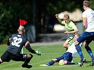 FODBOLD: Emil Scott Rasmussen (LSF) får sin afslutning blokeret under kampen i Danmarksserien mellem Kastrup Boldklub og Ledøje-Smørum Fodbold den 19. august 2017 på Røllikevej i Kastrup. Foto: Claus Birch