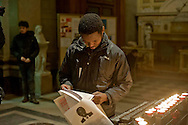 Roma 14 dicembre 2013<br /> Veglia  delle comunità migranti africane, un requiem in onore di Nelson Mandela, Basilica del Sacro Cuore di Gesù.<br /> Rome December 14, 2013<br /> Vigil of the  migrant communities in Africa, a requiem in honor of Nelson Mandela, to  Basilica of the Sacred Heart of Jesus