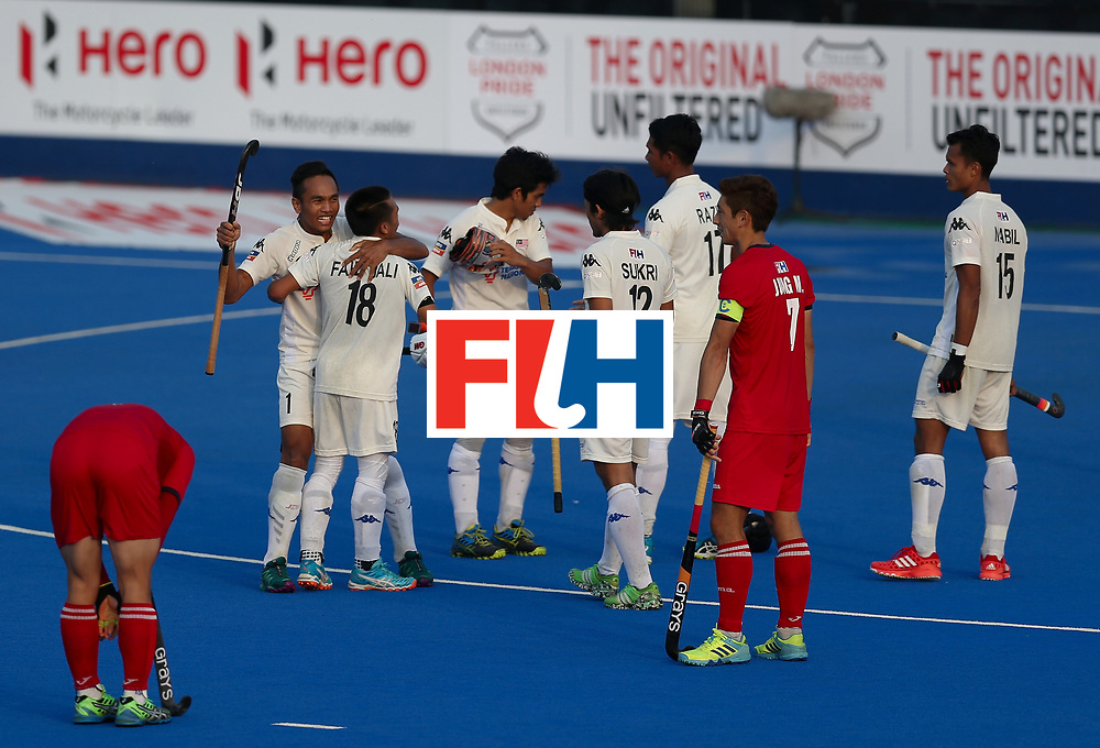 LONDON, ENGLAND - JUNE 19:  Malaysia players celebrate after the Pool A match between South Korea and Malaysia on day five of Hero Hockey World League Semi-Final at Lee Valley Hockey and Tennis Centre on June 19, 2017 in London, England.  (Photo by Alex Morton/Getty Images)