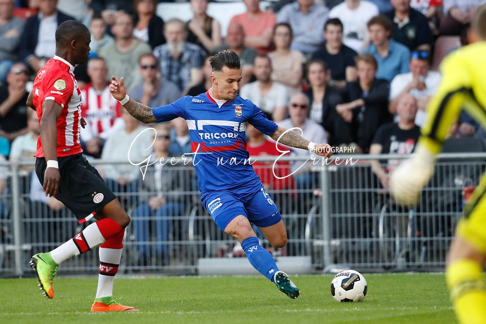 09-04-2017 VOETBAL:PSV-WILLEM II:EINDHOVEN<br /> Jordy Croux van Willem II <br /> <br /> Foto: Geert van Erven