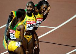 01-09-2007 ATLETIEK:  IAAF WORLD CHAMPIONSHIPS: OSAKA JAPAN<br /> Jamaica met Sheri-Ann Brooks, Kerron Stewart, Simone Facey, Veronica Campbell<br /> ©2007-WWW.FOTOHOOGENDOORN.NL