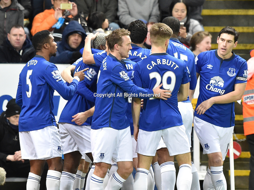 28.12.2014. Newcastle, England. Premier League. Newcastle versus Everton. Everton celebrate an early goal by Arouna Kone