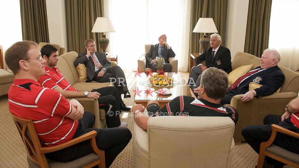 BAKU, AZERBAIJAN - Thursday, June 4, 2009: HRH Prince Andrew meets a Wales delegation ahead of the 2010 FIFA World Cup Qualifying Group 4 match. L-R: head of international affairs Mark Evans, captain Joe Ledley, HRH Prince Andrew, FAW Vice President FAW Head of International Commity, manager John Toshack MBE and FAW Council Member Terry Harris. (Pic by David Rawcliffe/Propaganda)