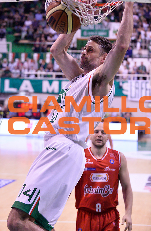 DESCRIZIONE : Siena Lega A 2013-2014 Montepaschi Siena GrissinBon Reggio Emilia playoff  Quarti di Finale Gara 2<br /> GIOCATORE : Tomas Ress<br /> CATEGORIA : Schiacciata<br /> SQUADRA : Montepaschi Siena  <br /> EVENTO : Lega A 2013-2014 playoff  Quarti di Finale Gara 2 <br /> GARA : Montepaschi Siena GrissinBon Reggio Emilia <br /> DATA : 24/05/2014 <br /> SPORT : Pallacanestro <br /> AUTORE : Agenzia Ciamillo-Castoria/A.Giberti <br /> GALLERIA : Lega A playoff 2013-2014 <br /> FOTONOTIZIA : Siena Lega A 2013-2014 Montepaschi Siena GrissinBon Reggio Emilia playoff  Quarti di Finale Gara 2