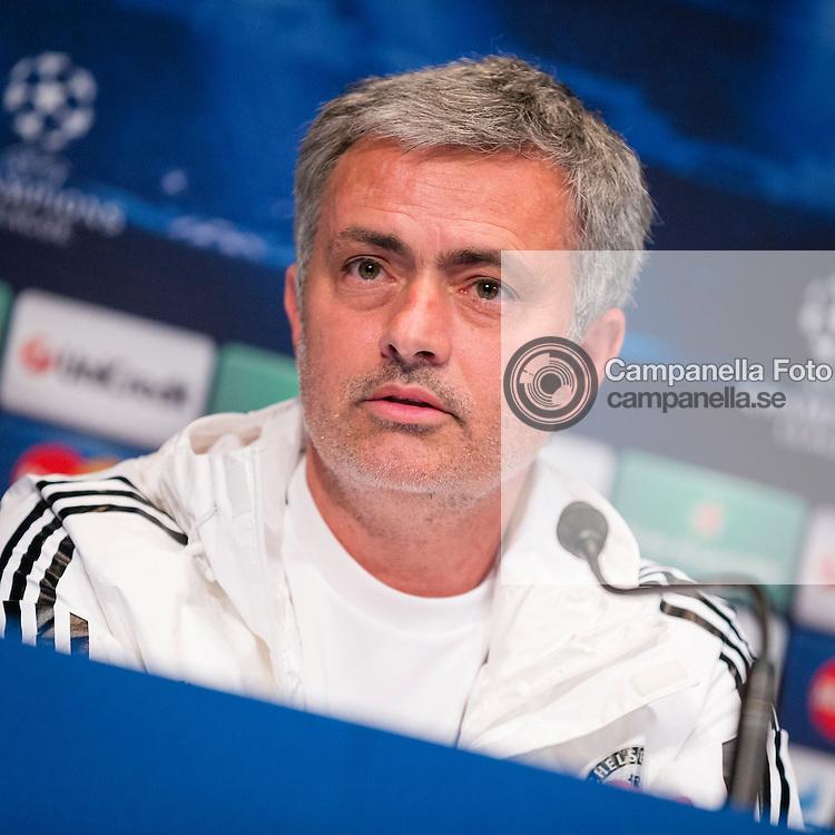 Paris 2014-04-01:  <br /> <br /> Chelsea coach Jose Mourinho gives a press conference at Parc des Princes ahead of Chelsea's quarter final clash with Paris Saint-Germain in the UEFA Champions League. <br /> <br /> (Photo: Michael Campanella / Pic-Agency)
