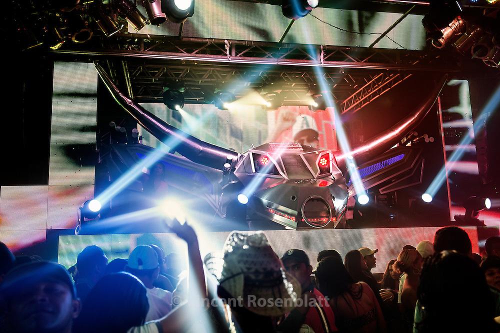 Party featuring the Badalasom (The Buffalo soudmachine from the island of Marajó) at the Mansão do Forró club in Bélem do Pará.