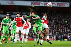 Lee Cattermole of Sunderland defends against Alex Iwobi of Arsenal - Mandatory byline: Jason Brown/JMP - 07966386802 - 09/01/2016 - FOOTBALL - Emirates Stadium - London, England - Arsenal v Sunderland - The Emirates FA Cup